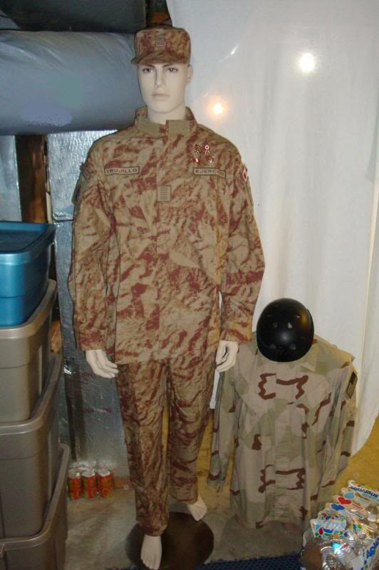 DESERT digital camouflage uniform 001-3