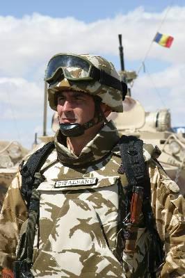 ROMANIAN military photos (REFERENCE) Maior_Ovidiu_Uifaleanu_comandantul_