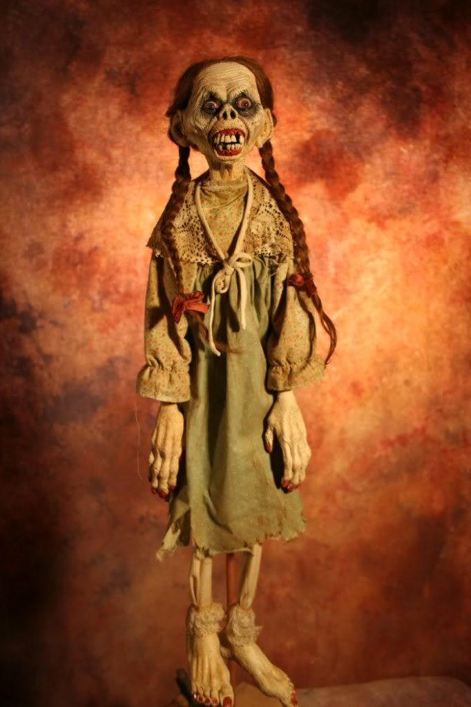 Esculturas de miedo hiperrealistas Magotty_anne_2_700