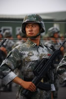 R. P. China - Página 2 Chinese-army-trianing-for-nation-3
