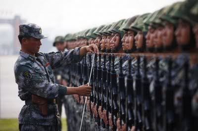 R. P. China - Página 2 Chinese-army-trianing-for-nation-4