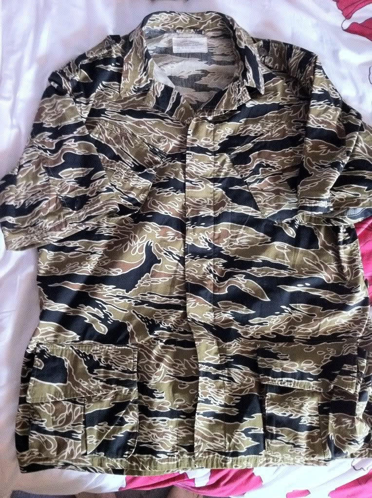 Gold tiger tropical shirt & duck hunter hoodie 72245b4d