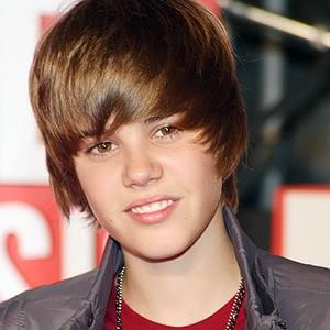 """Justin Bieber ứng xử quá """"pro"""" khi bị fan ném chai vào đầu  Justin_Bieber_300"""