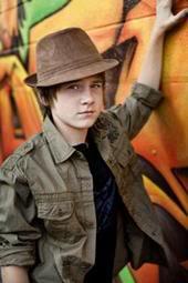 Hot hot!!!!!!!! Luke