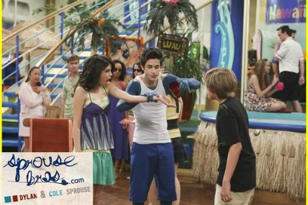 Wizards on Deck with Hannah Montana 1244805892