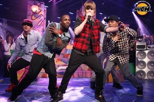 """Justin Bieber đang bị """"bóc lột"""" sức lao động Bieberdec28202"""