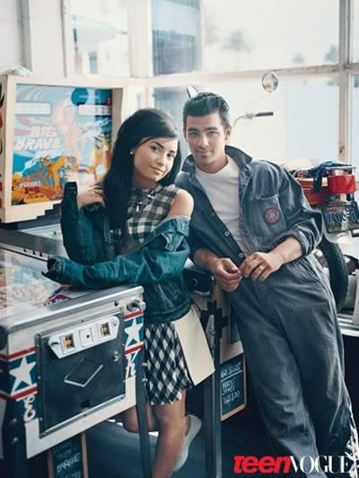 """Demi Lovato - Joe Jonas: Vẫn diễn cảnh """"tình tứ"""" dù đã chia tay De527710"""