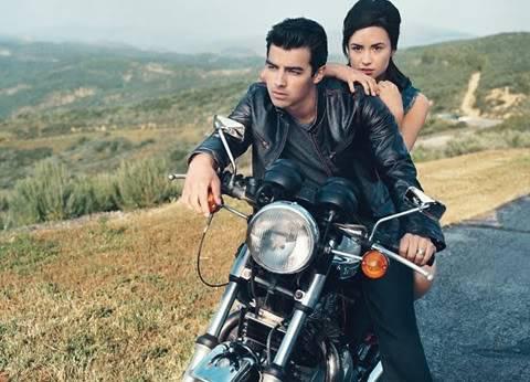 """Demi Lovato - Joe Jonas: Vẫn diễn cảnh """"tình tứ"""" dù đã chia tay De827710"""