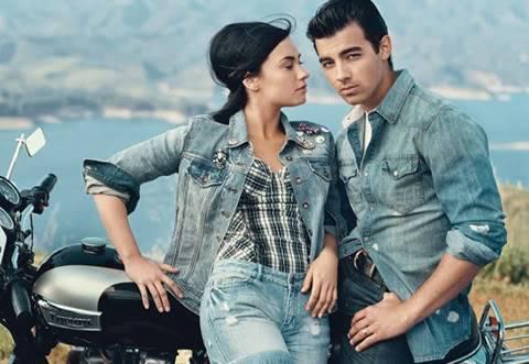 """Demi Lovato - Joe Jonas: Vẫn diễn cảnh """"tình tứ"""" dù đã chia tay De927710"""