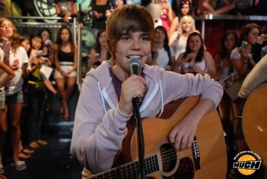 """Justin Bieber đang bị """"bóc lột"""" sức lao động Dsc0207"""