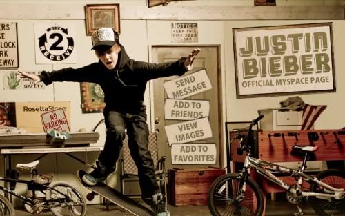 """Justin Bieber đang bị """"bóc lột"""" sức lao động Justinbieberofficialmyspace500x313"""