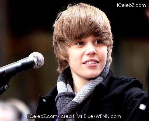 Justin Bieber bí mật tái ngộ tình cũ T363953
