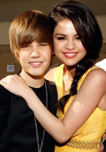 Justin Bieber từng đề nghị khiếm nhã với Selena Gomez T368533