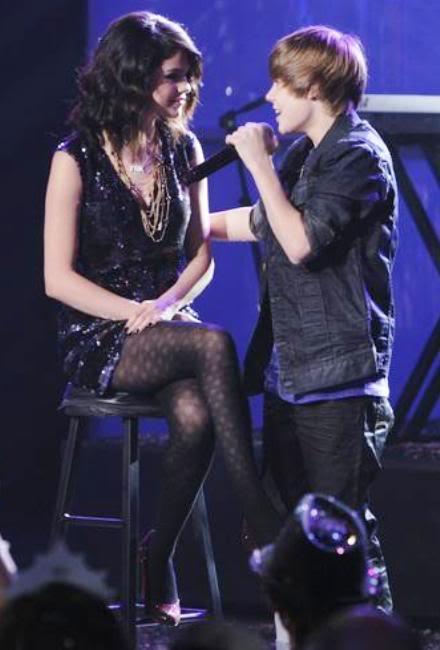 Justin Bieber từng đề nghị khiếm nhã với Selena Gomez T368538