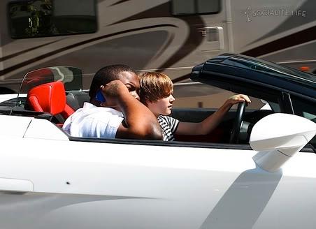 Justin Bieber được tặng xe Lamborghini T372474