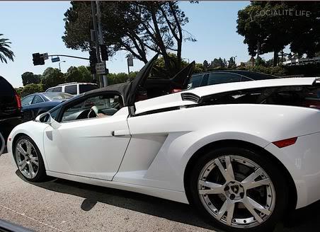 Justin Bieber được tặng xe Lamborghini T372475