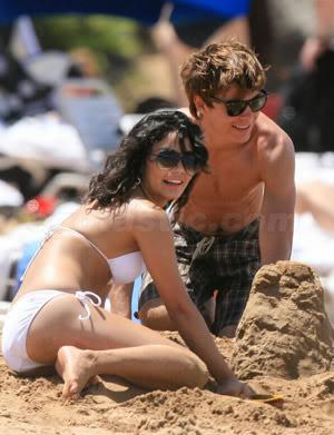 Vanessa Hudgens's scandal & hot pics Vanessa-hudgens-bikini-2-16