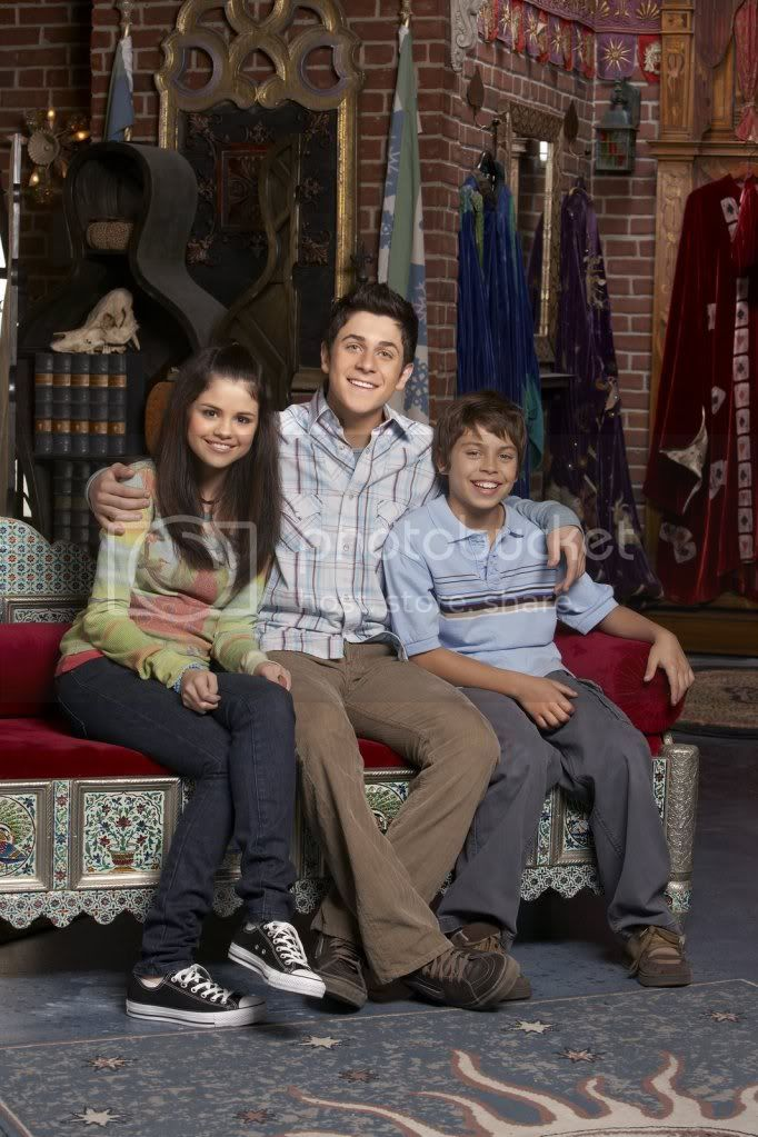 Wizards of the Waverly place Selenagomezfan_com-wowppromos-0004