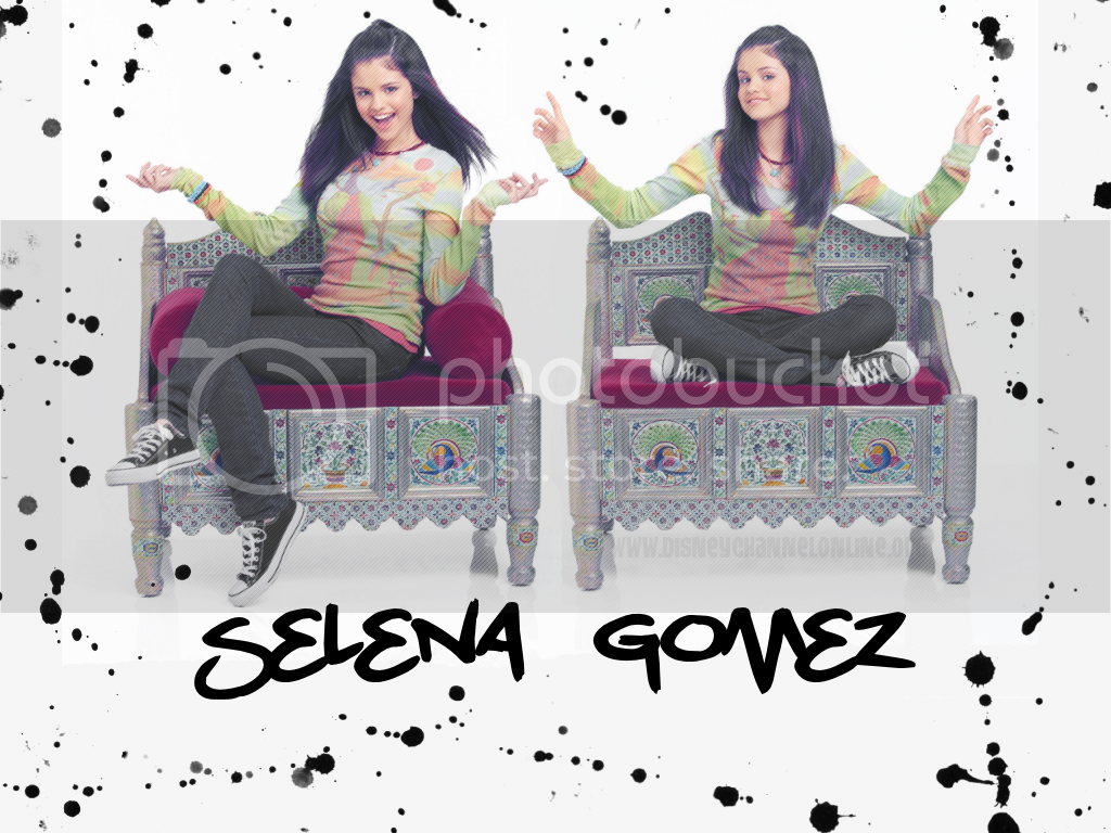 Wizards of the Waverly place Selenawall-1