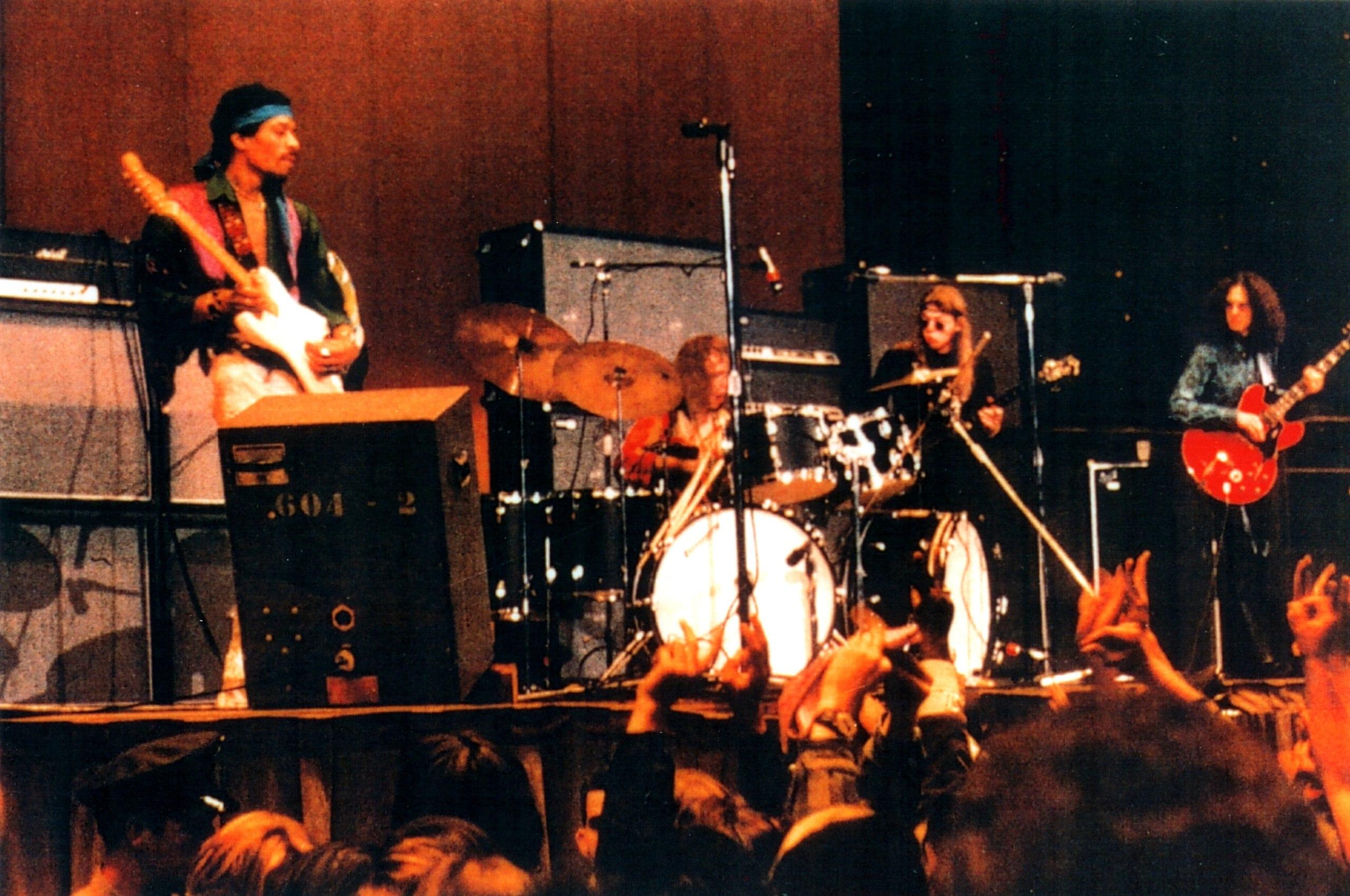 Live At The Oakland Coliseum (1998) Fd076e0933013c4d76879f3ec18869e5