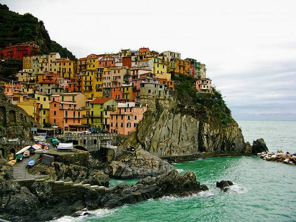 Cities of Color - Những thành phố sắc màu Cinque-Terre-Italy-5