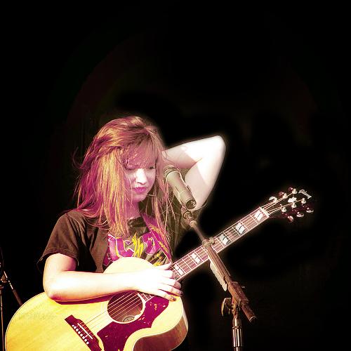 Demi Lovato  - Page 4 Tumblr_l9mr6wZ1AN1qd1vlvo1_500_large