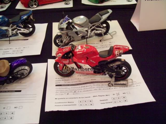 El Nazional xxv años foto estudio de autos y motos 100_3392