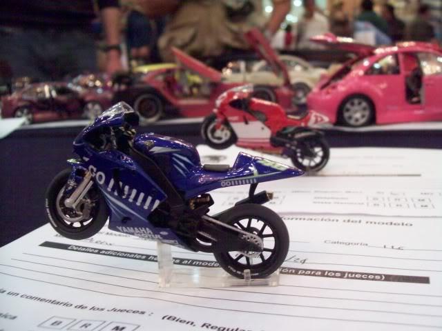 El Nazional xxv años foto estudio de autos y motos 100_3396