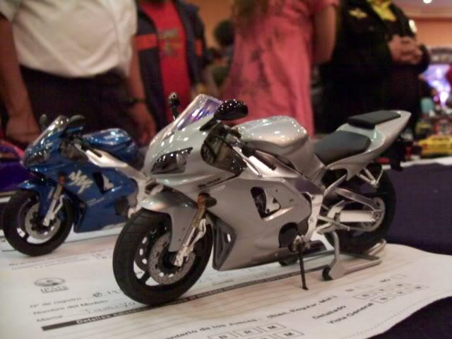 El Nazional xxv años foto estudio de autos y motos 100_3456