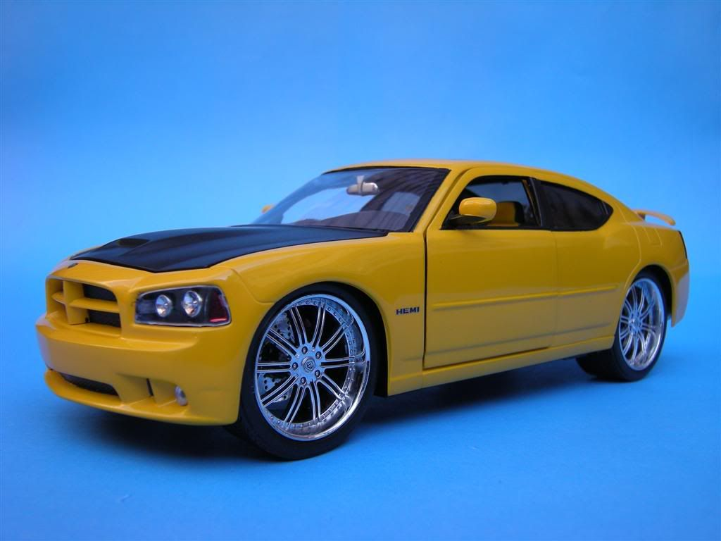 1/25 - Dodge Charger SRT8 DSCN1614Large