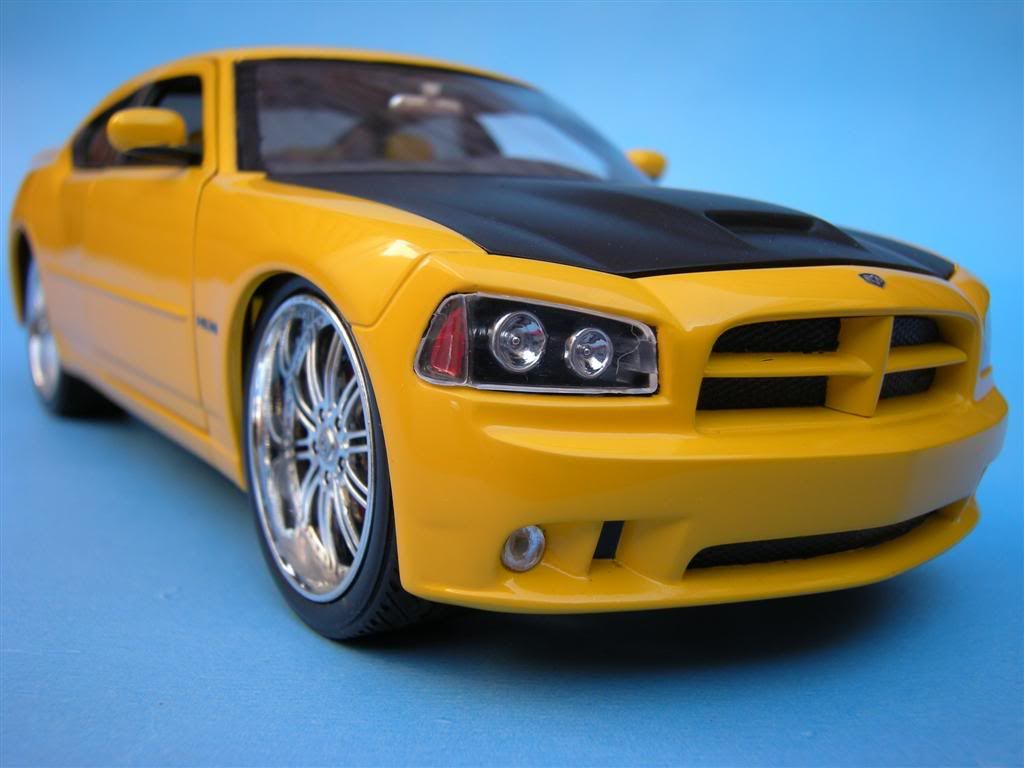 1/25 - Dodge Charger SRT8 DSCN1616Large-1