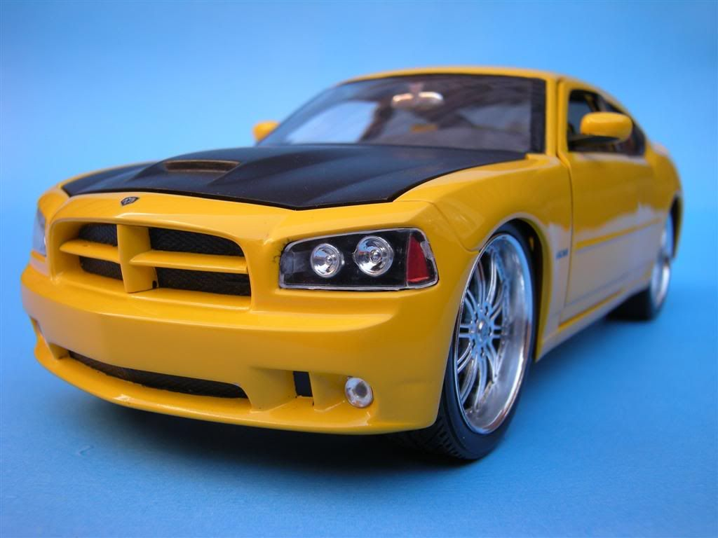 1/25 - Dodge Charger SRT8 DSCN1617Large-1
