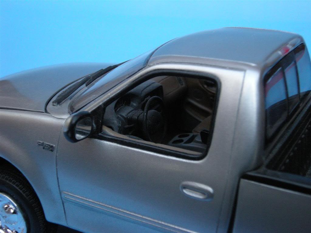 1/24 - Ford F-150 XLT ´97 DSCN0872Large