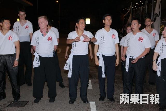 [2013-7-23] Thu Quan nhìn mặt sư phụ lần cuối: Lên đường bình yên 1374588424_3768_zps541d98e9