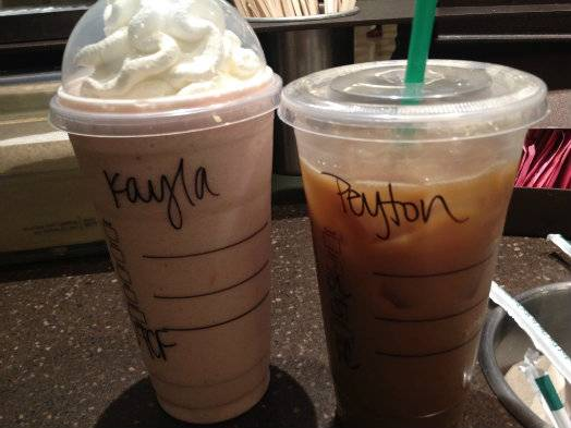 KAYLA AND PEYTON MET IN PERSON! (And there's pictures!) 31e72039