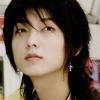 Remueves el pasado que deseo olvidar... tal vez me des un presento que desee recordar... {0/1}} Lee_jun_ki_011