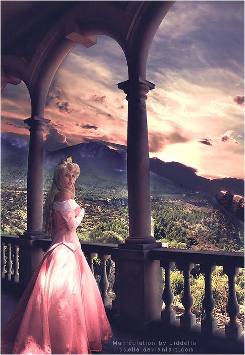 Fantasy und Mittelalter Glittergifs^^ Waking_Beauty_by_Liddella