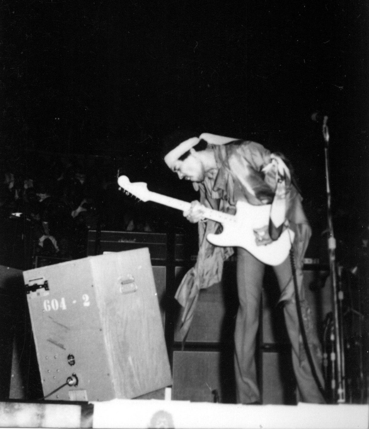 Lifelines - The L.A. Forum Concert (1990) [CD4]  - Page 2 4384a51db184eb12287e1355749087d8