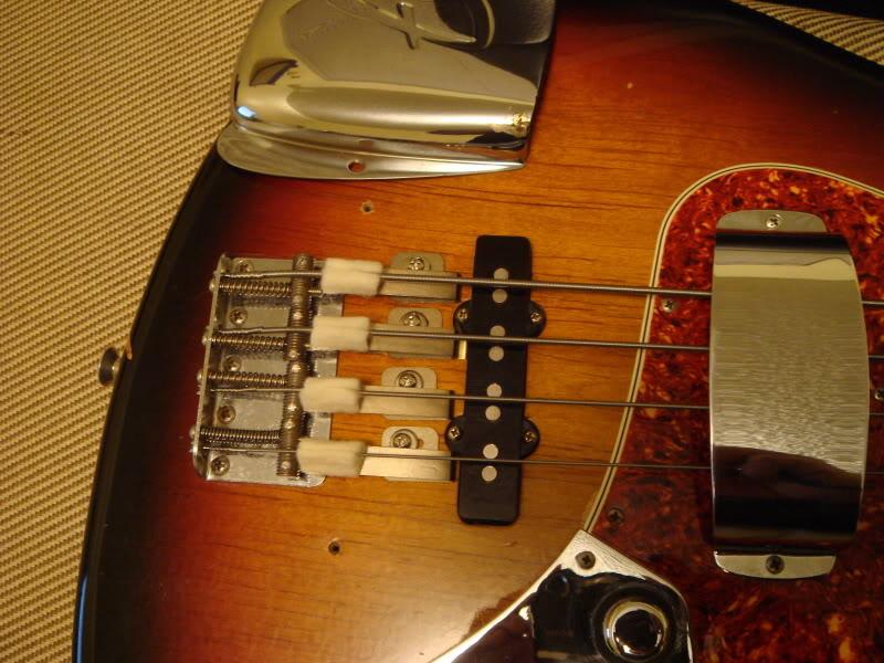 les fender jazz bass DSC00430