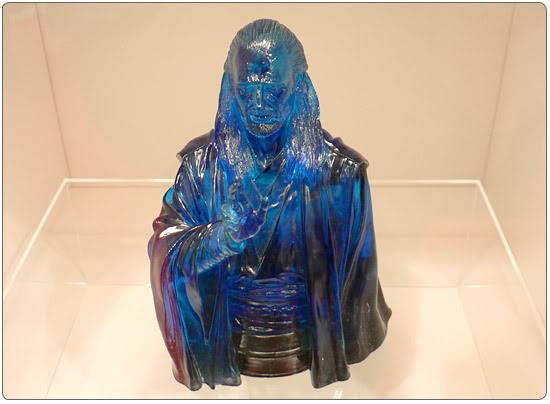 Mini Bust Holographic The Spirit of Qui Gon Jinn Exclu 2-3