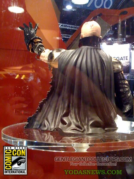 Darth Vader Unleashed Mini Bust 5-3