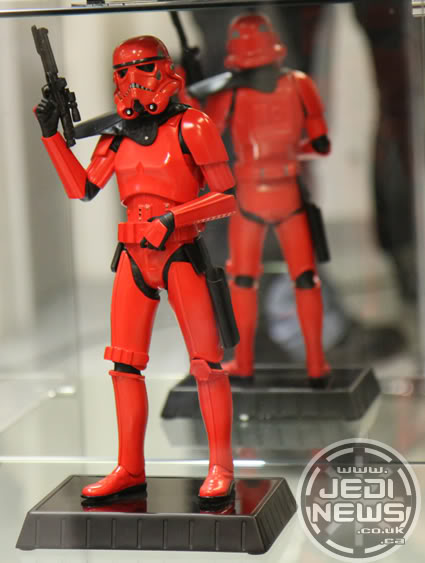 Red Stormtrooper Statue CreateThumbNailCAL8W1Q2