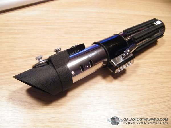 Tuto démontage sabre Master Replicas FX Darth Vader ANH  DSCF3333copie
