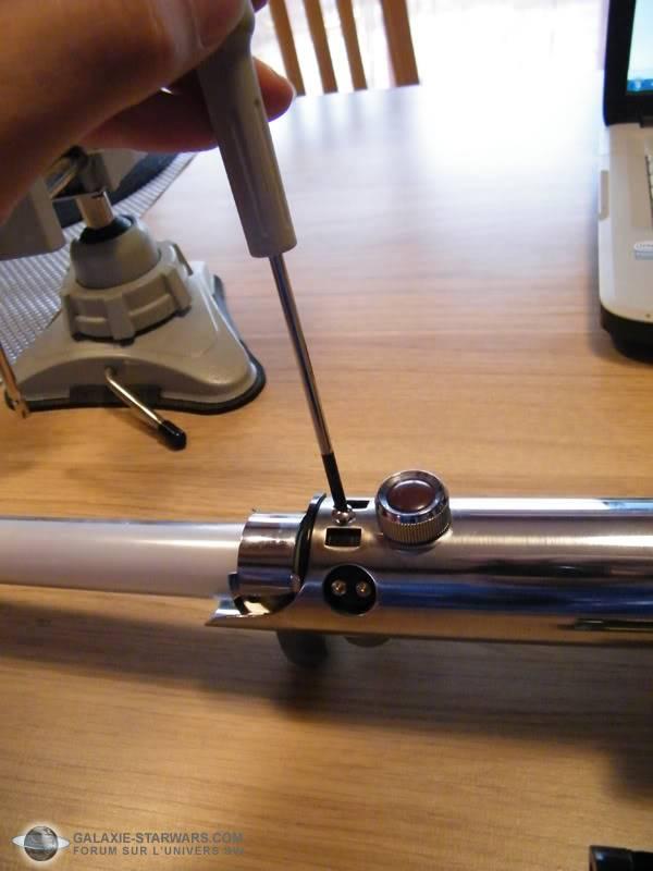 Tuto démontage sabre Master Replicas FX Luke épisode V (ESB) DSCF3092copie