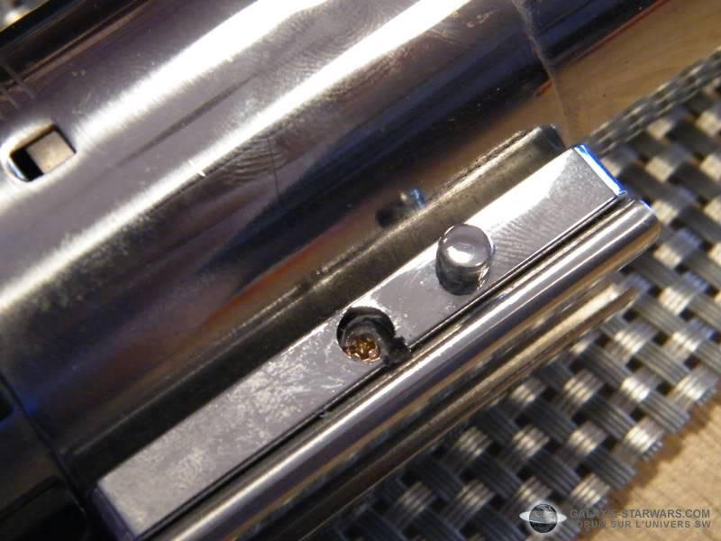 Tuto démontage sabre Master Replicas FX Luke épisode V (ESB) DSCF3103copie