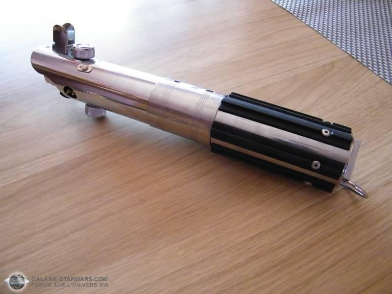 Tuto démontage sabre Master Replicas FX Luke épisode V (ESB) DSCF3131copie