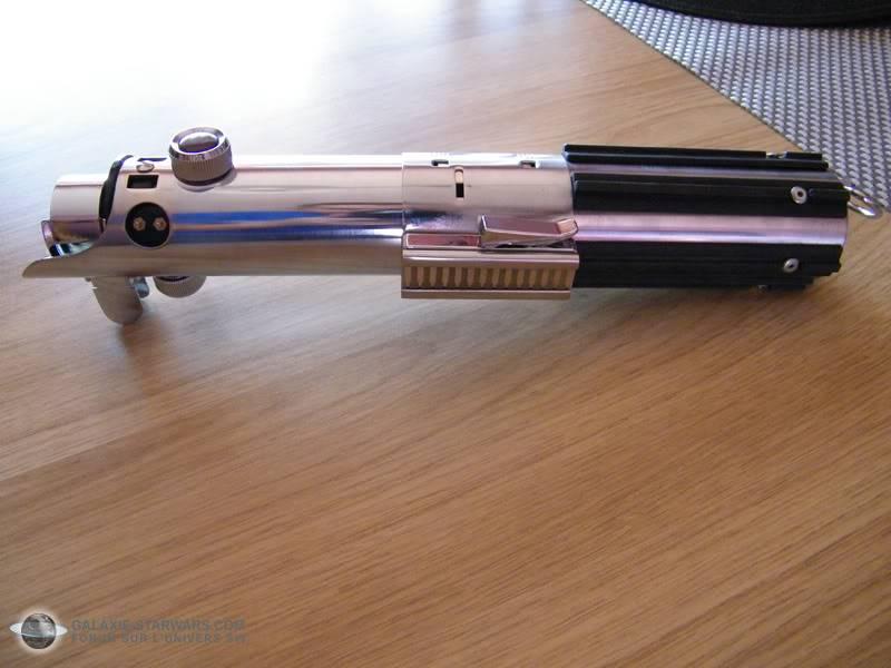Tuto démontage sabre Master Replicas FX Luke épisode V (ESB) DSCF3135copie