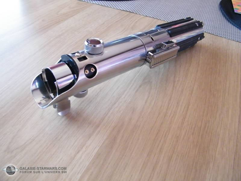 Tuto démontage sabre Master Replicas FX Luke épisode V (ESB) DSCF3136copie