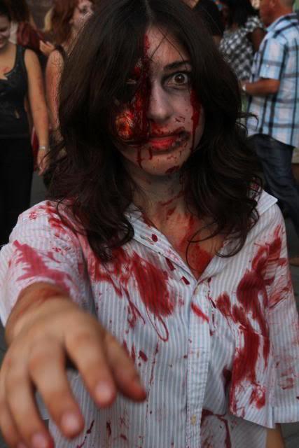 Zombie Walk Strasbourg 10 Septembre 2011 298355_10150317999638497_834643496_7877032_1704767658_n