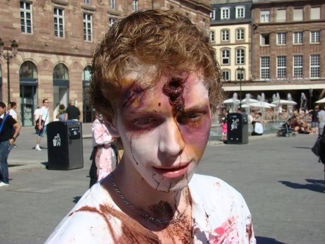 Zombie Walk Strasbourg 10 Septembre 2011 DSC06236